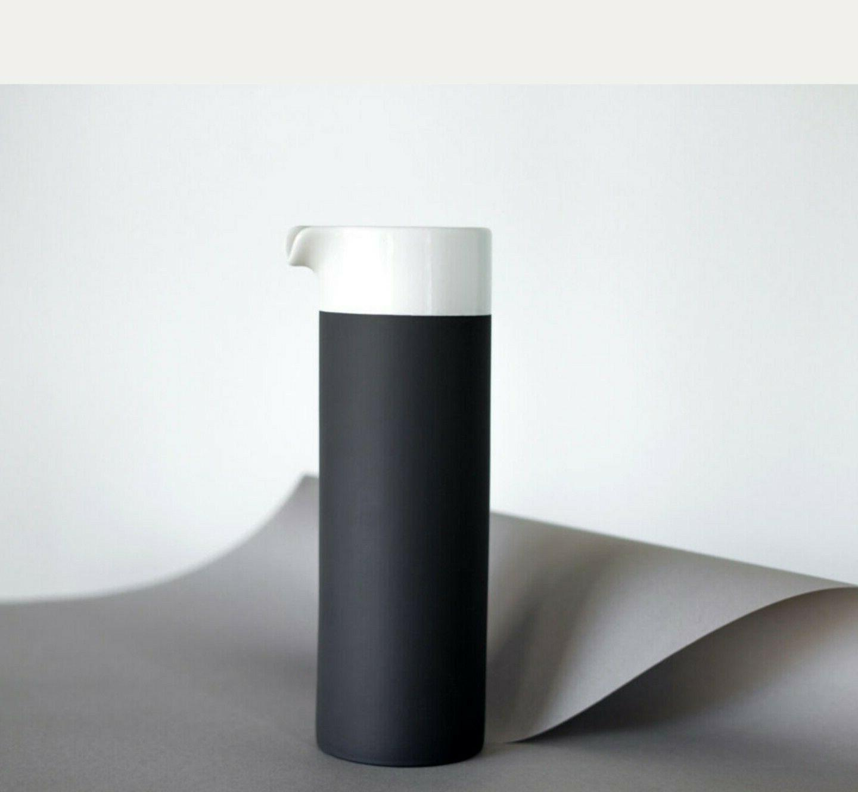 *NEW* Magisso White Line Naturally Cooling Ceramic Carafe 25